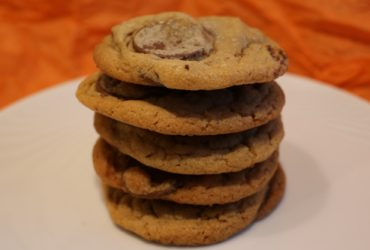 Peanut Butter Cookies with Milk Chocolate Chunks | Pork Cracklins