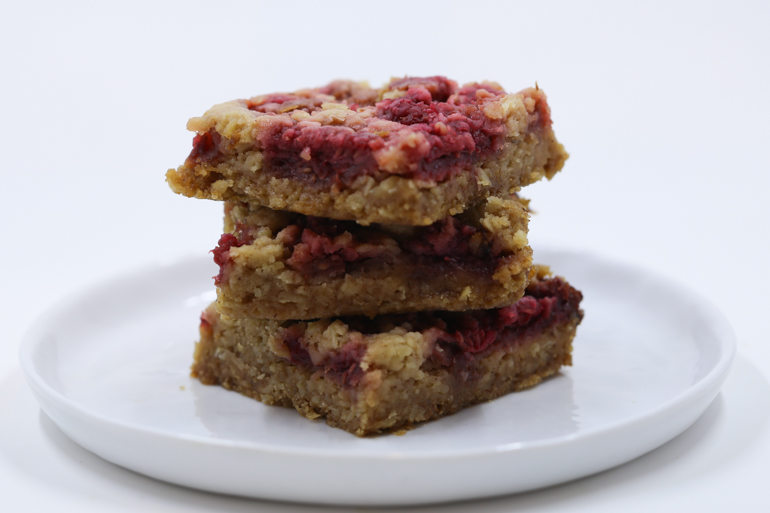 Raspberry Crumb Breakfast Bar | Pork Cracklins